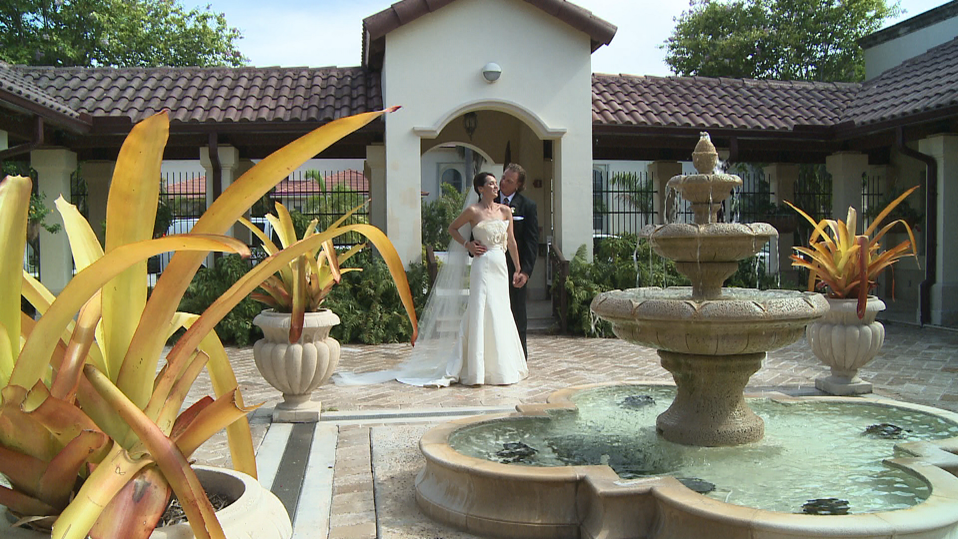 Good places for wedding films in miami for Nice places to go for honeymoon